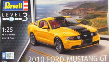 Ford Mustang GT 2010 - Revell