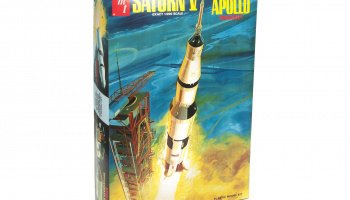 SATURN V ROCKET 1:200 - AMT
