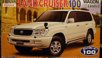 Toyota Land Cruiser 100 Wagon VX Limited 1:24 - Fujimi