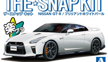 The Snap Kit Nissan GT-R Brilliant White Pearl 1:32 - Aoshima