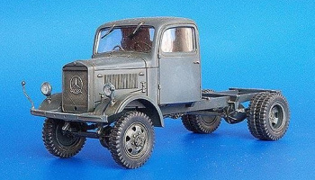 Mercedes 4x4 chassis 1/35 – Plus Model