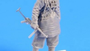 1/35 German SS soldier (Padded Jacket with Hood) S