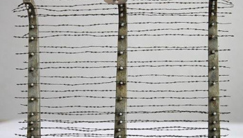 1/35 Barbed wire fence