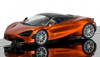 McLaren 720S - Azores Orange (1:32) Street SCALEXTRIC C3895