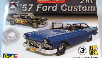 Ford Custom 57 - Revell