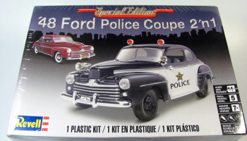 Plastic ModelKit MONOGRAM auto 4318 -  '48 Ford Police Coupe 2 'n 1 (1:25)