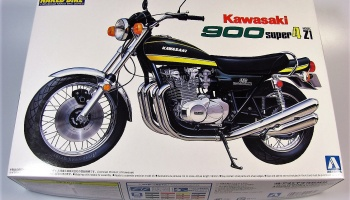 Kawasaki 900 Super Four - Aoshima