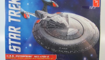 Star Trek USS Enterprise NCC1701E - AMT