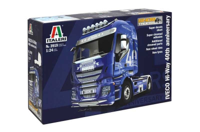 "IVECO ""HiWay"" 40th Iveco Anniversary (1:24) Model Kit truck 3919 - Italeri"