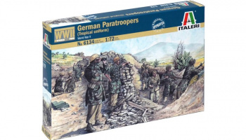 Model Kit figurky 6134 - WWII - German paratroopers (tropical uniform) (1:72)