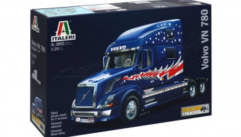 VOLVO VN 780 (1:24) Model Kit Truck 3892 - Italeri