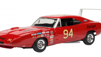 69 DODGE CHARGER DAYTONA (1:25) Plastic Model Kit MONOGRAM 4413 - Revell