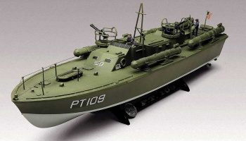 PT-109 PT Boat  (1:72) Plastic Model Kit MONOGRAM 0310 - Revell